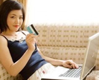 Hasil gambar untuk wanita berbelanja online